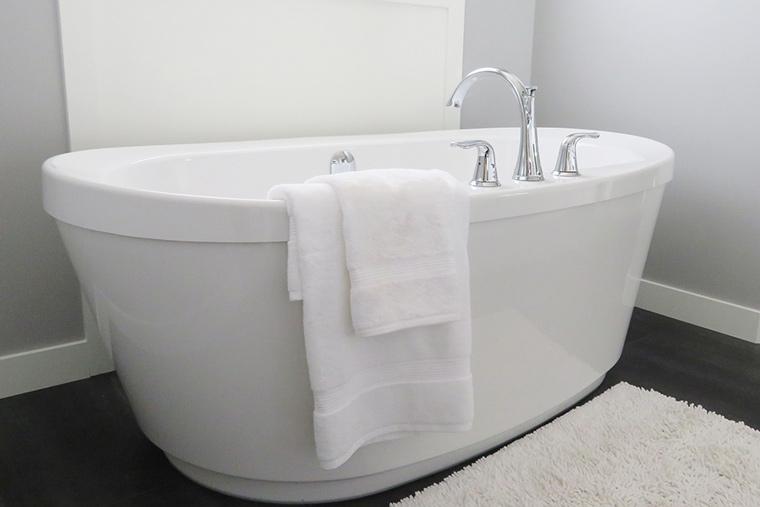 Freistehende Badewanne - Storch Heizung Sanitär GmbH in Perkam